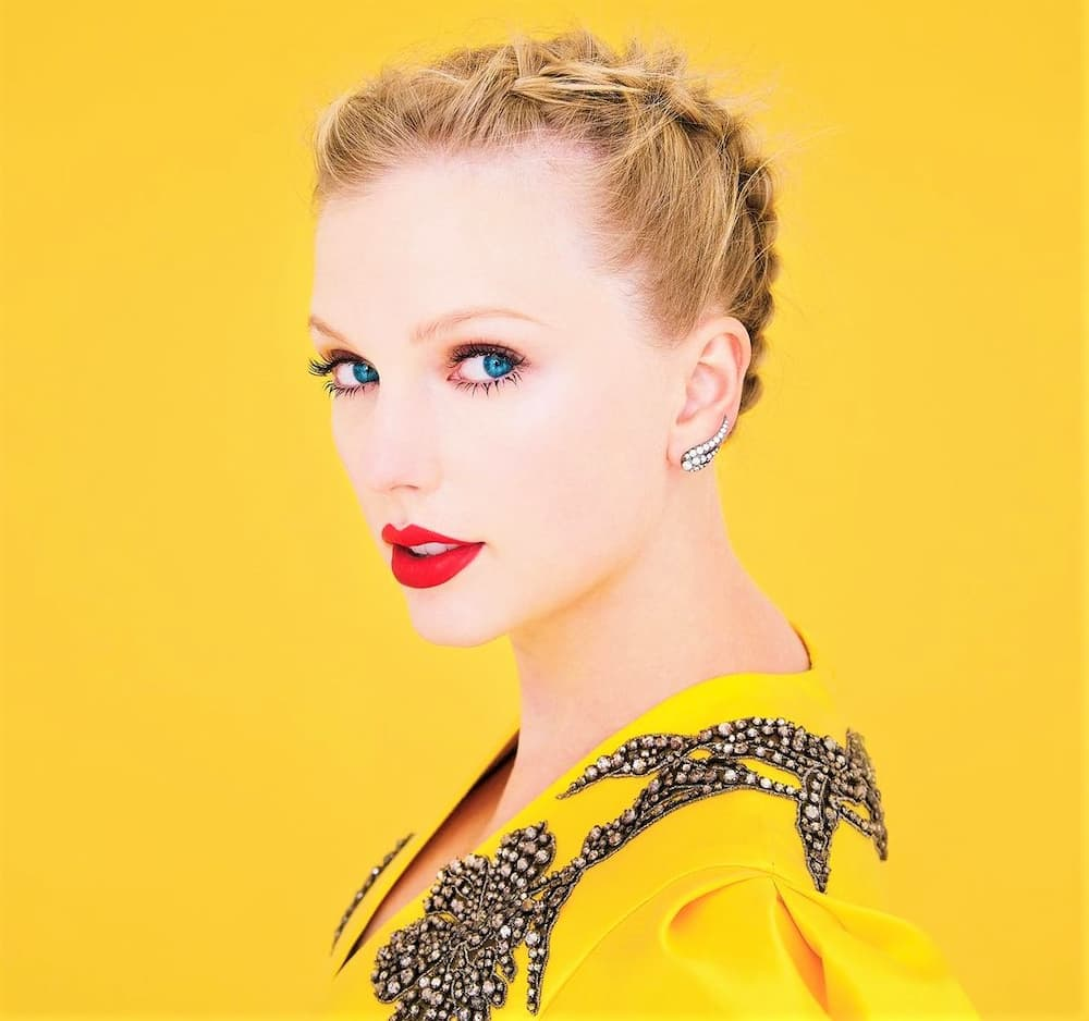 Taylor swift net worth. Taylor swift net worth 2020, Taylor swift net worth 2021, Who Is Taylor Swift, Taylor swift, Taylor Swift Facts, Taylor Swift measurements, famous Celebrity Net Worth, who is Taylor Swift, what is Taylor Swift's IQ, taylor swift net worth, Is Taylor Swift a billionaire, what is Taylor swift's net worth, How much is Taylor Swift's net worth in 2021? What is Taylor Swift full name? What is Taylor Swift nick name, How much money does Taylor Swift have 2021, How much does Taylor Swift make in a day, Where did Taylor Swift spend her Money, What is most famous album of Taylor Swift, Taylor Swift Cars Details